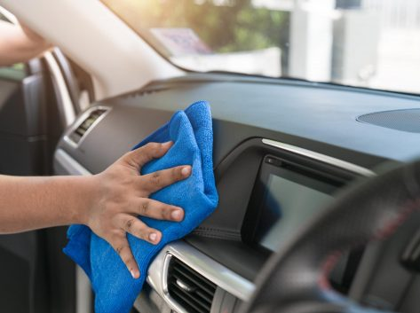 interior car cleaning wipe down