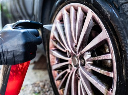 cleaning tyres